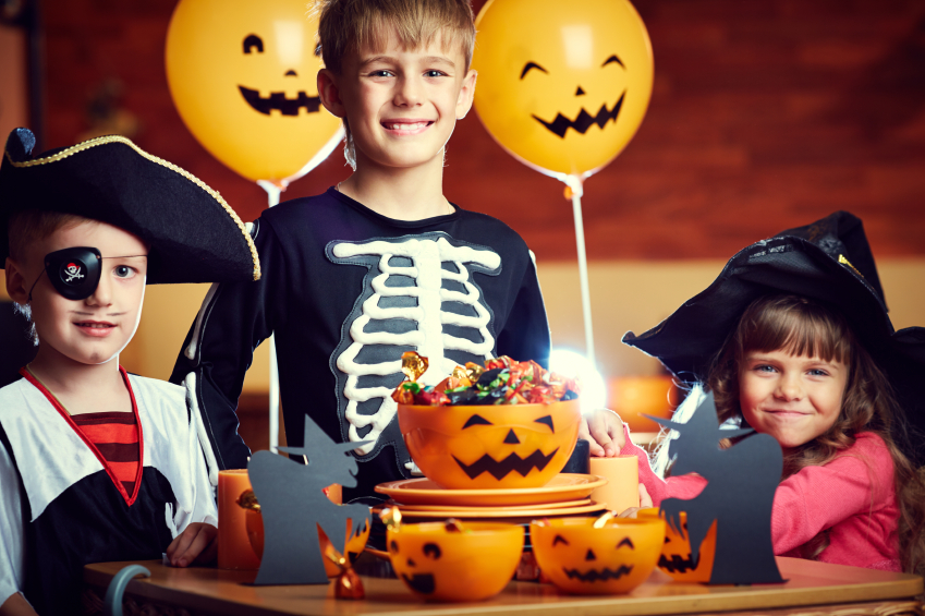 kids in halloween costumes ready to find out which candies are better for their teeth from - Halloween Candy Kids